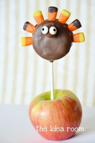 Easy Thanksgiving pop made with oreo cake pop - so cute!