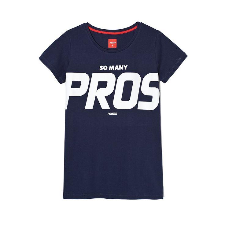 Koszulka PROS NAVY Klasyczna damska koszulka. Duża grafika na froncie. Regularny krój.
