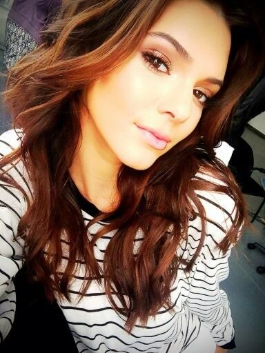 Kendall Jenner: Hair Colors, Messy Hair, Haircolor, Wavy Hair, Hairmakeup, Kendall Jenner, Hair Makeup, Makeup Looks, Kylie Jenner