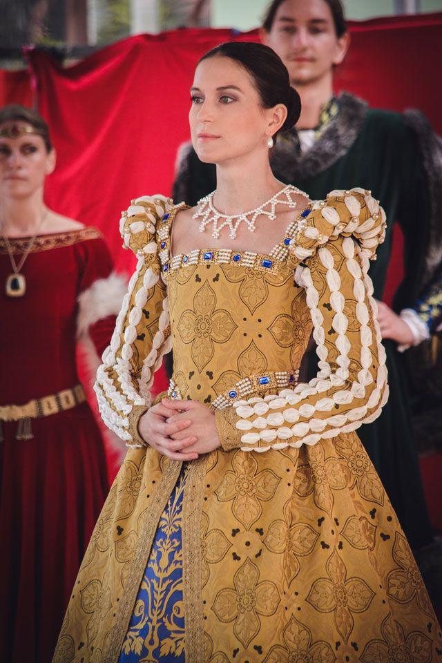 "Kristýna Petříčková, costumer, real-life example of the ""fake puffs"" on sleeves"