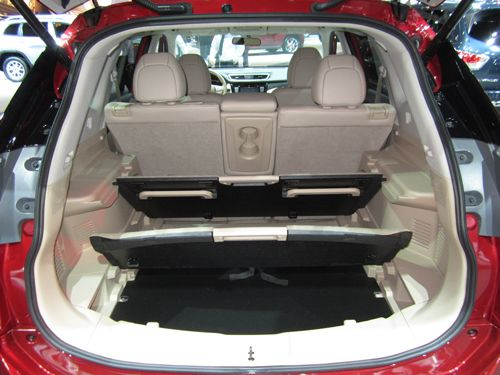 2014 Nissan Rogue's Cargo System Made for Family Life  (2013 L.A. Auto Show Coverage) by Carrie Kim | Kicking Tires