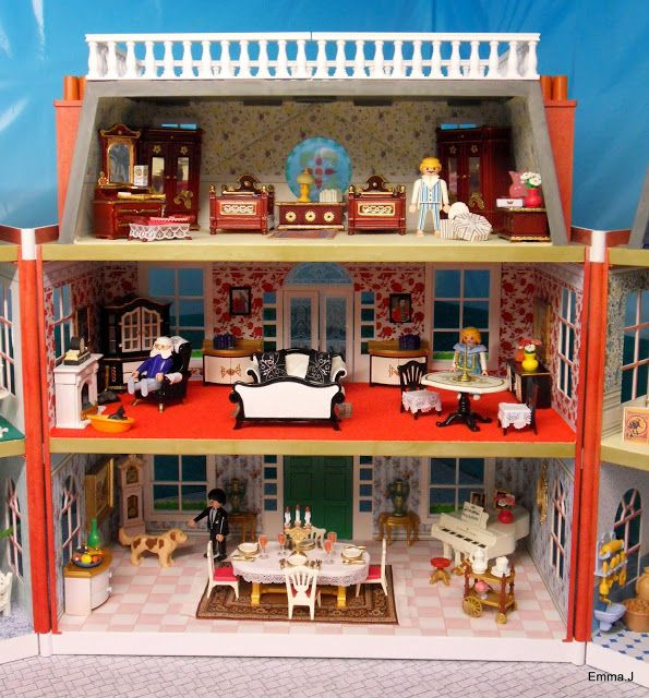 The Red Square Mansion ~ Emma.J's Playmobil