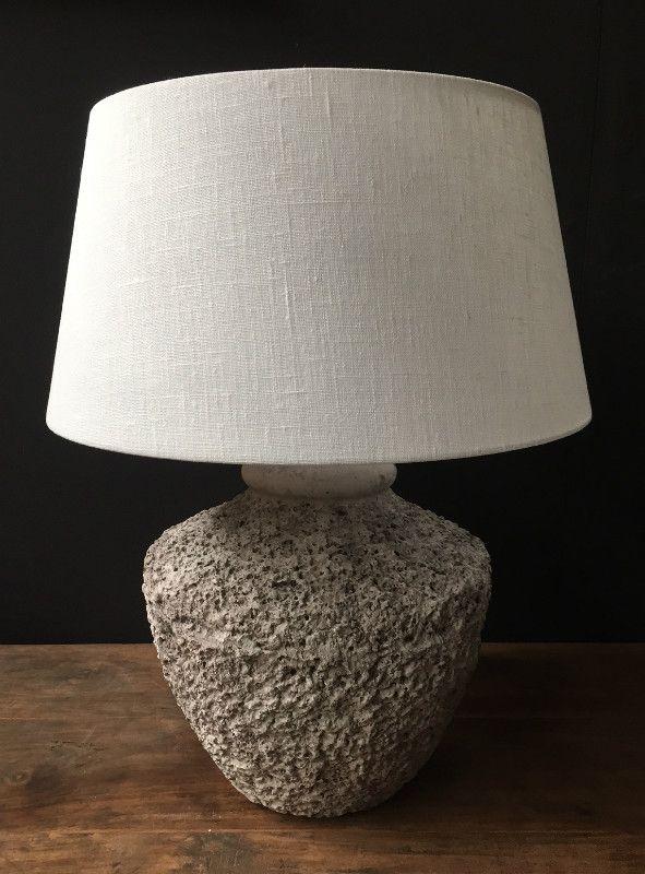 Kruiklamp met ruw oppervlak van de Jong Interieur - Lampen - Lampen, kroonluchter van gewei. - De Jong Interieur