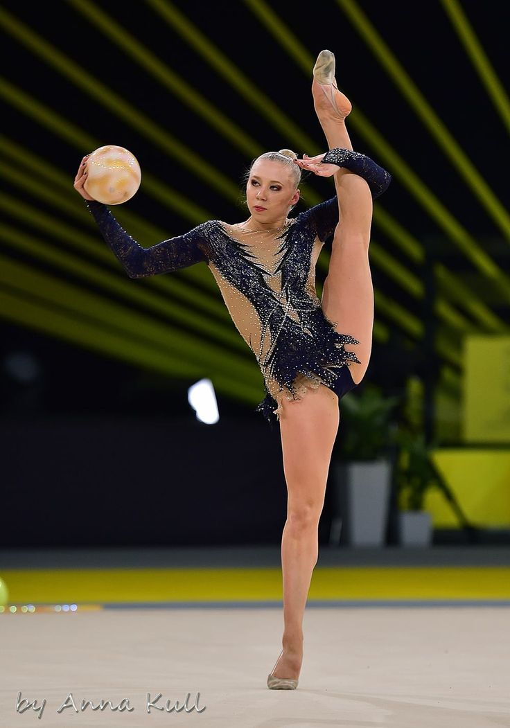 Kseniya MOUSTAFAEFA (France) ~ Ball @ Deriugina Cup - Grand Prix Kiev 17/03/2017  Photographer Anna Kull.