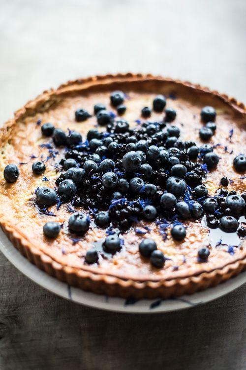 DSC9523 Bagt cheesecake med blåbær og hvid chokolade nu med opskrift
