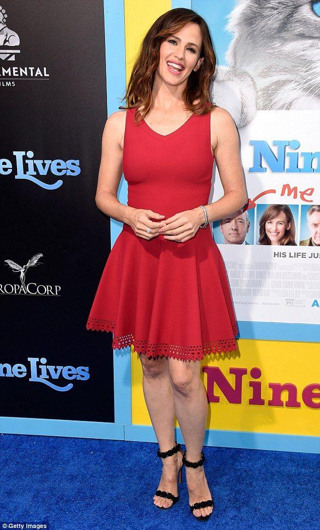 Jennifer Garner takes her adorable daughter Seraphina to ...