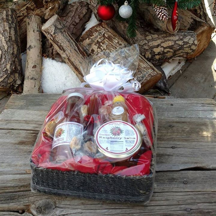 Need a gift that says Wyoming? Treat family to our gift baskets with Wyoming made Honeys Candies and Raspberry Jams! Every purchase provides a $15 donation to local food pantries. Take a looksie at https://farmtablewest.com/collections/shop-all