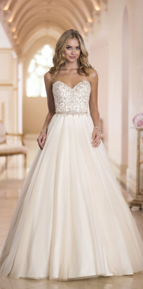 1782 best wedding thigs images on Pinterest | Bridal gowns, Gown ...