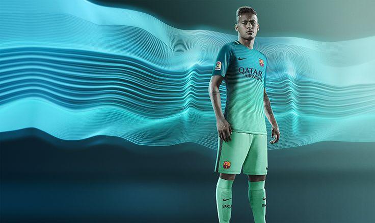 FC Barcelona Unveil 2016/17 Third Jersey