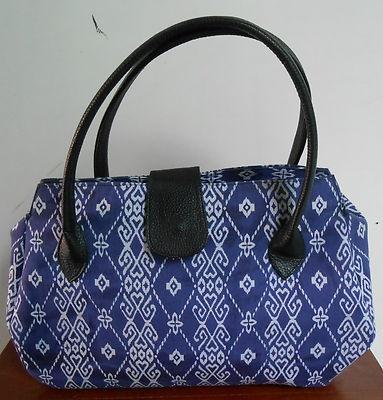 """Purple Batik Indonesia women bag  Dimension : D: 16.5cm(6.5"""") L: 38.1cm(15"""") H: 22.8cm(10.2"""") strap drop : 16.5 cm(6.5"""")  material : cotton and polyester"""