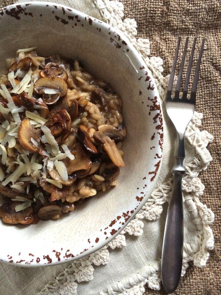 risotto de hongos secos, champiñones y portobello
