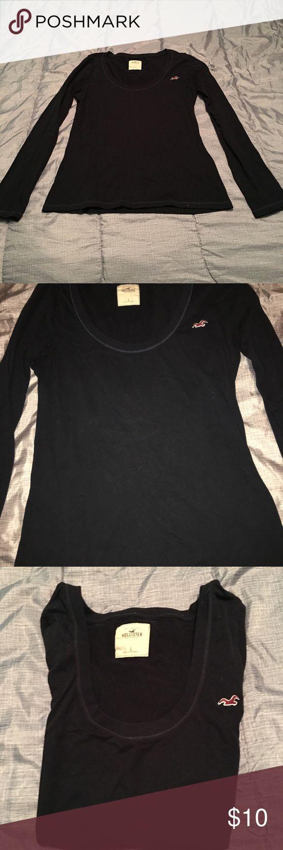 Navy Hollister Looks no Sleeve Shirt NWOT Hollister soft Long Sleeve Scoop neck Shirt. 100% cotton. Hollister Tops Tees - Long Sleeve