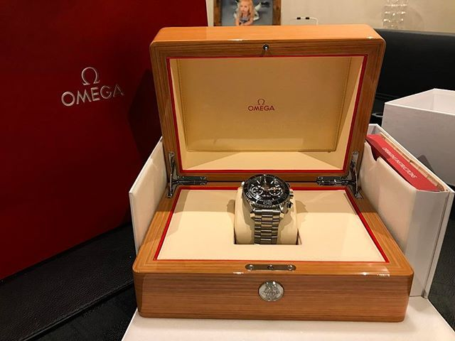 REPOST!!!  Finally got something I have always wanted to buy! Humming about this for a couple of years but thought fuck it and bought it! 😍😍 Could not be more happy! And to the gent who sold it to me at the Omega shop at Manchester, Trafford, thank you!  ________________________________________________ #omega #seamaster #professional #coaxial #masterchronometer #chronograph #watchesofinstagram #stunning #sea #diver #watch #black  @omega  Photo Credit: Instagram ID @sailor_fish1995