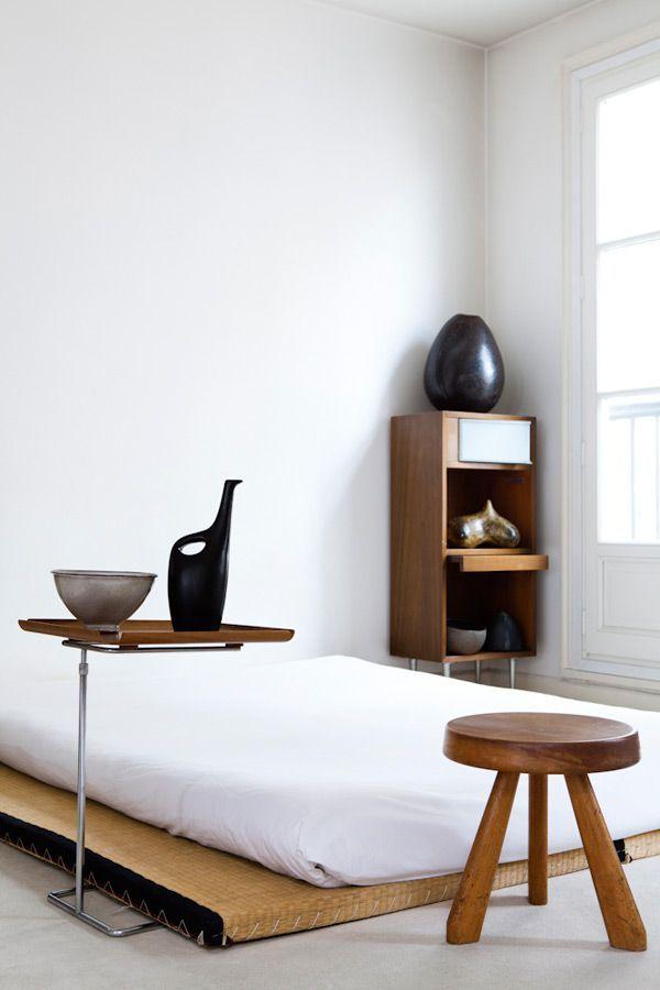tatami, bed, stool, triangle, low, floor / Caroline Wiart / interior architect