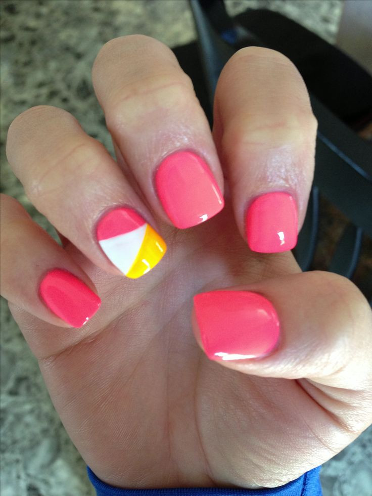 Summer nail art: three color colour design: pink nails with one accent nail with pink, white and yellow #summer #colorblock #colourblock