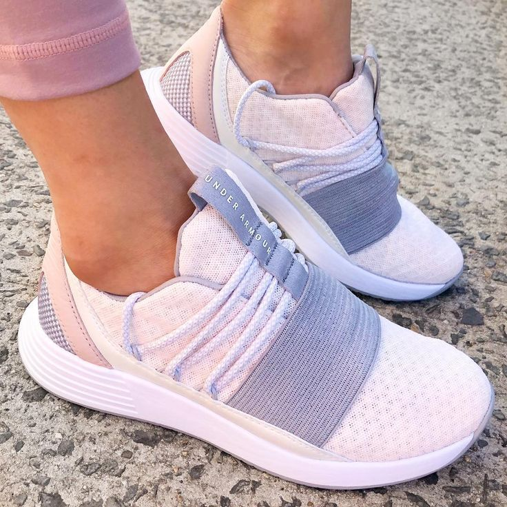Under Armour Breathe Lace Training