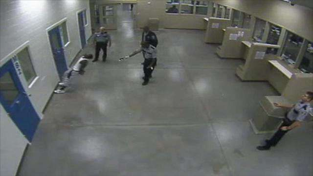 Channel 2 Action News in Atlanta released video showing Georgia deputies using a stun gun on a handcuffed man facing a wall. The incident occurred inside the Richmond County jail on Aug. 30, 2015. According to the police report, Deputy Donnie Crawford said the inmate was combative, but surveillance video from the jail tells a …