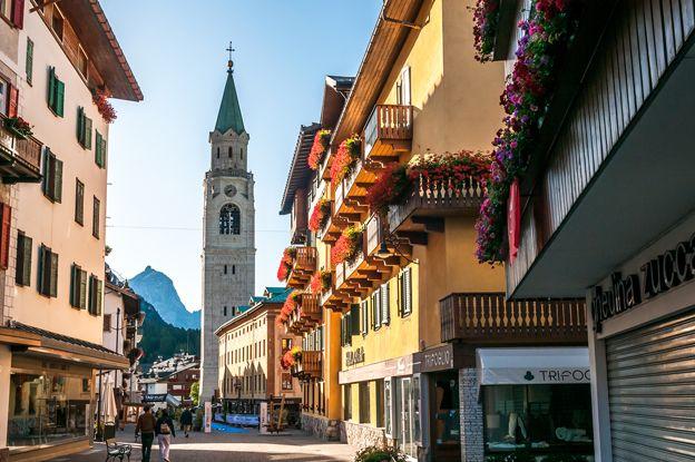 Italy's Best Ski Resorts | ITALY Magazine Cortina walked by many times 10 days :) blissful
