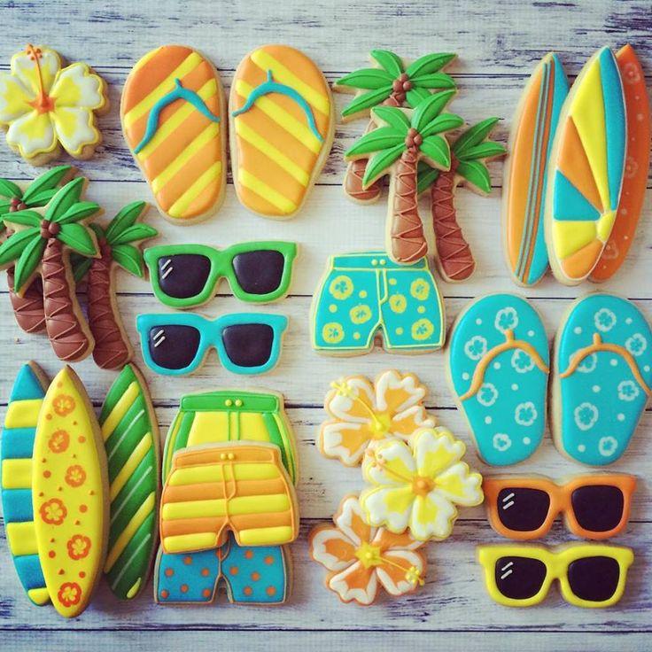 Completa la decoración de tu fiesta hawaiana con esta idea. Utiliza comida y fruta para crear una mesa de colores exóticos. #fiesta #hawaiana