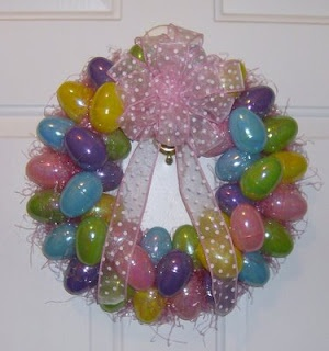Plastic Egg wreath anyone? All you need is a wreath figure, lots of plastic eaggs, easter grass & some glue (I prefer a glue gun)