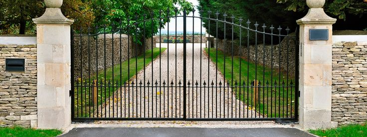 Custom fabricated Iron Gates & wrought iron garden gates in Dallas, Plano, Highland Park.