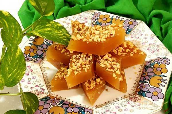 باسلوق با شیره انگور نوعی شیرینی نرم و خوشمزه است که بافتی لطیف داشته و برای درست کردن آن باید نکاتی را رعایت کرد تا Persian Food Persian Cuisine Sweet Recipes