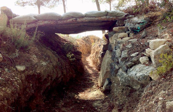 Trinxera a la cota 402 de Corbera d'Ebre, un dels escenaris de la Batalla de l'Ebre