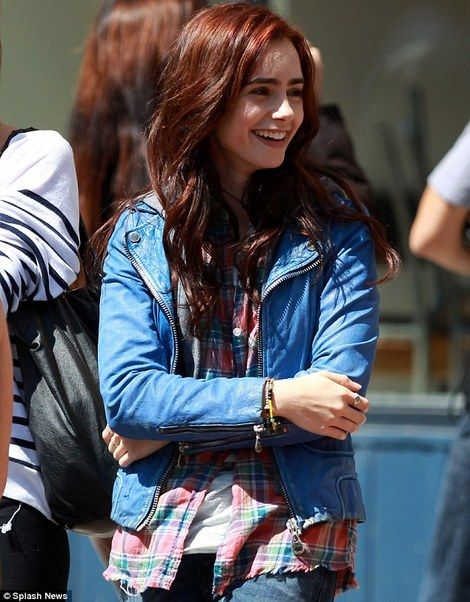 Lily collins as Clary Fray on set here hair in this movie though !:)