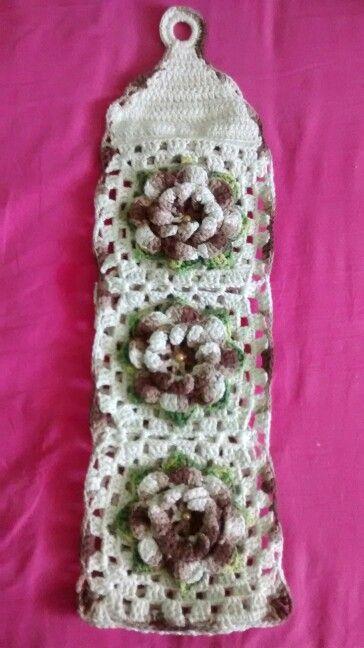 Suporte para papel higiênico flor catavento dupla.