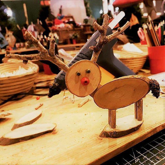Unsere #bastelqueen Esra hat auf der #mhh alle mit ihren Kreationen begeistert #messe #essen #basteln #selbst #gemacht #selfmade #homemade #deko #einfach #simple #home #cute #diy #doityourself #mode #heim #handwerk #nrw #holz #nature #natur #wood #woodworking #handmade #unterwegs #followme #look #lifestyle