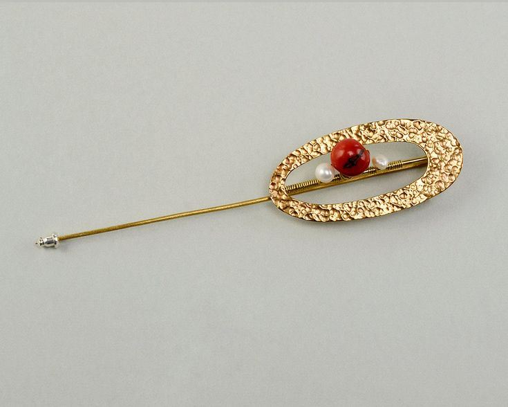 Hammered brooch, long gold tone pin, red stone jewelry, acai jewelry, open oval pin, tumbaga jewelry, brass big pin, minimal  brooch by ColorLatinoJewelry on Etsy