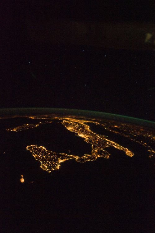 Italy at Night (von NASA's Marshall Space Flight Center)