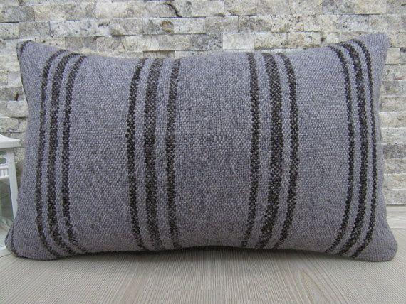 Almohada gris Kilim Turco cojín almohada Azteca 12 X 20 casa almohada hecha a mano decoración almohada bohemio piso amortiguador 12 x 20 Anatolia almohada