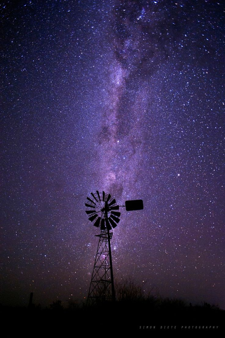 Chinchilla nights #windmill #night #stars #milkyway Photo by: Simon Diete Photography