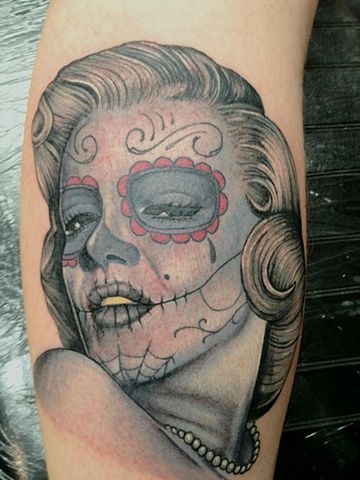 17 best images about tattoos and other awesomeness on for Marilyn monroe skull tattoos