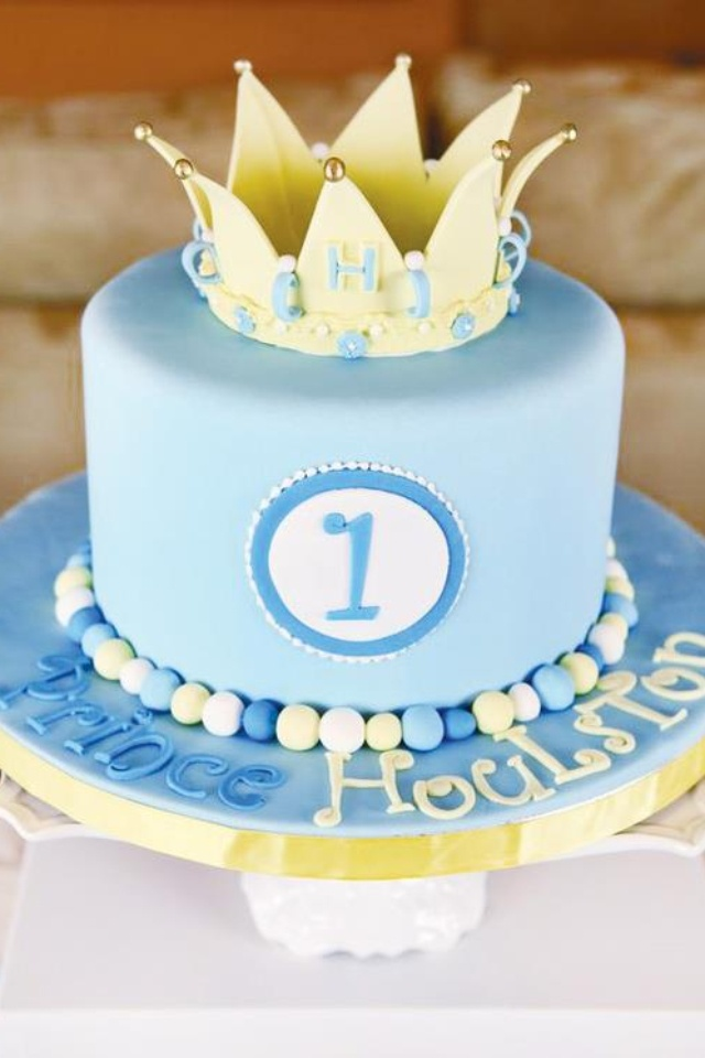 Cake With Crown For Boy : Boy crown cake Cookies, Cakes & Cakepops Pinterest ...