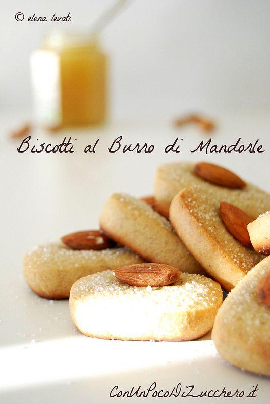 Almond butter cookies: https://conunpocodizucchero.wordpress.com/2015/01/15/burro-di-mandorle-e-biscotti-al-burro-di-mandorle/