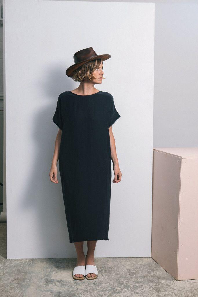 Georgia Midi easy every day scandi chic midi black dress