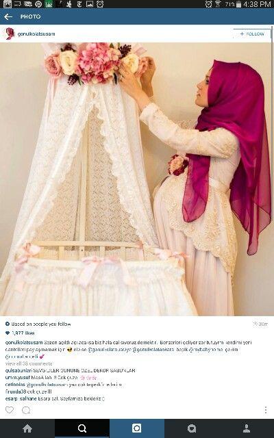 Pregnant muslimah mami