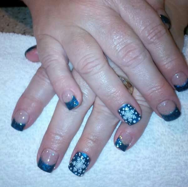 LCN #gelnails #bling #blue #silver #stamping #white #snowflakes #christmas #facebookgetnailedbyApril #LCNproductsonly