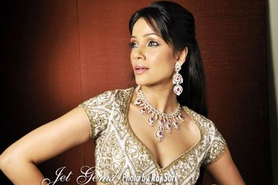 Vidya Malvade adorning Jet Gems jewellery #Vidya #Malvade #necklace #royal #ring #bracelet #earrings #jewelry #jewellery #design #celebrity #famous #actress #gorgeous