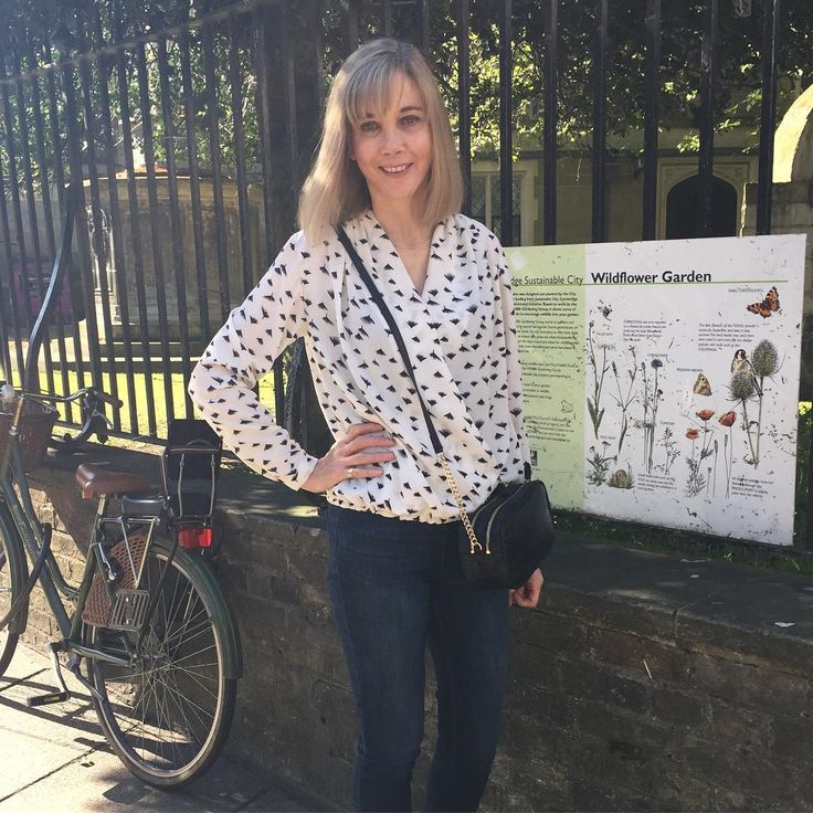 Shopping in Cambridge wearing my Anderson Blouse by Sew Over It