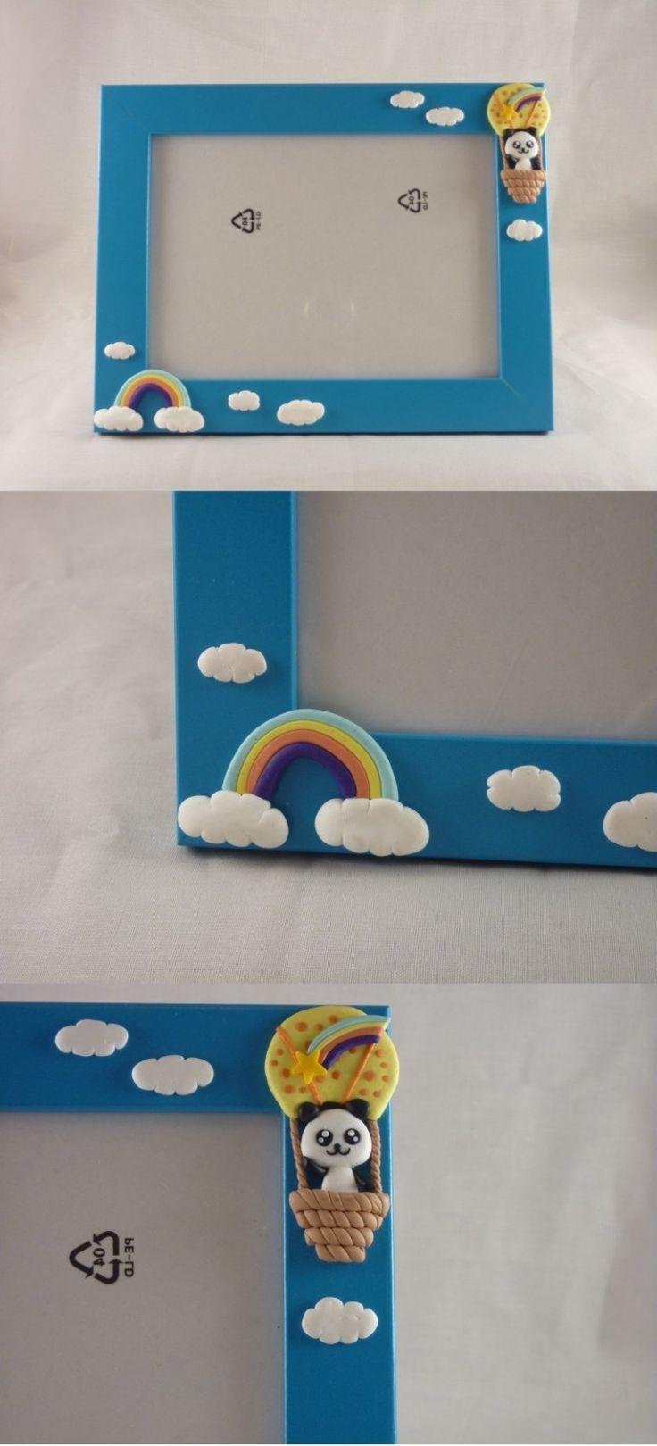 Cornice con decorazioni in FIMO fatte a mano di un panda ed un arcobaleno - Frame decorated with rainbow and hot-air ballon with panda in fimo polymer clay handmade