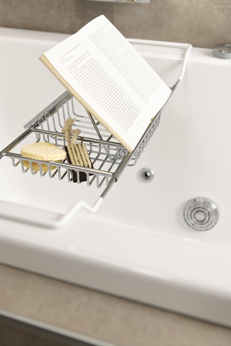 Heerlijk ontspannen een boek lezen in bad met de badsteun van de soft line badkamer soft line - Doucheruimte deco ...