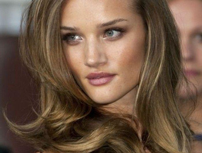 cheveux-marron-clair-coloration-naturelle-et-douce-pour-toutes-les-peaux