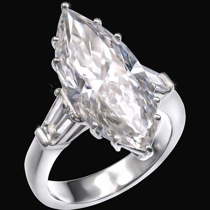 #ring #diamonds #marquisecutdiamond #jewels #highjewelry #vennarigioielli #illussodelleidee Photo by : @ottaviapoli  MARCHESA  Raffinata nobiltà / Refined nobility  Anello in oro bianco con diamante taglio marquise 7,06 ct e diamanti taglio trapezio. / White gold ring with marquise cut diamond 7,06 cts and tapered baguette diamonds.