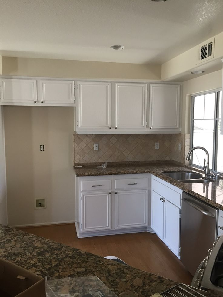 Dunn Edwards Paints Dew 381 Droplets Condo Remodel