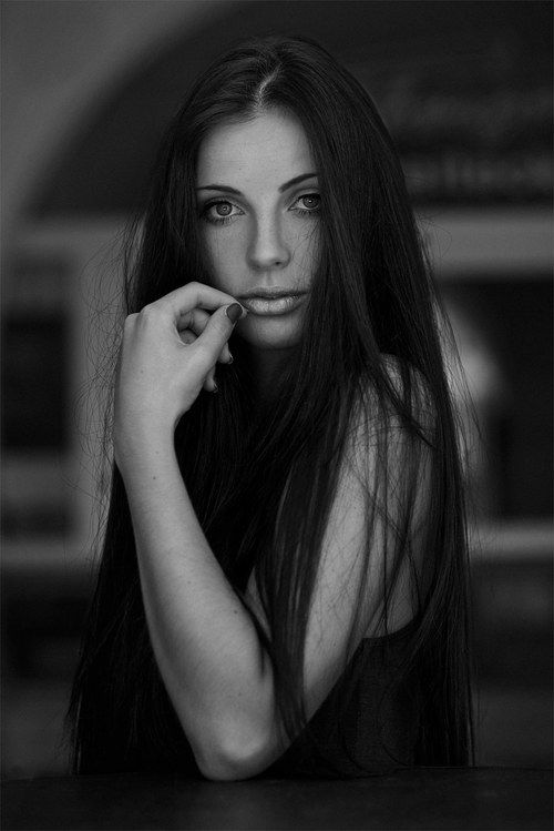 Theresa_Female_Portrait_Natural_©SimonThoisPhotography