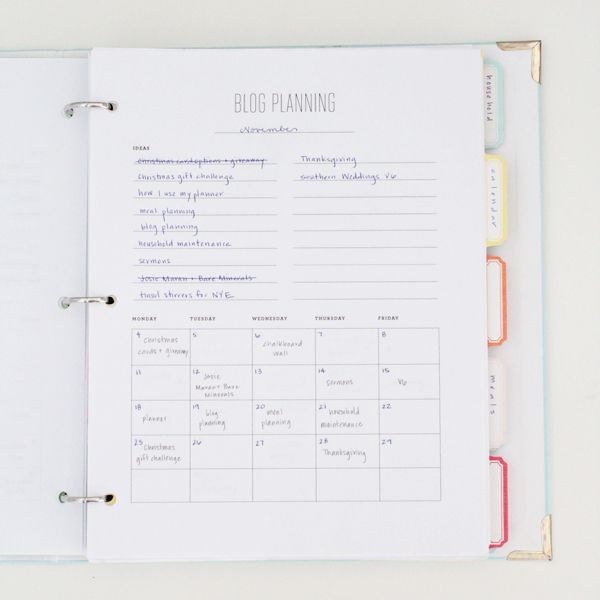 Staying organised when you're a blogger | blog planner from em for MARVELOUS