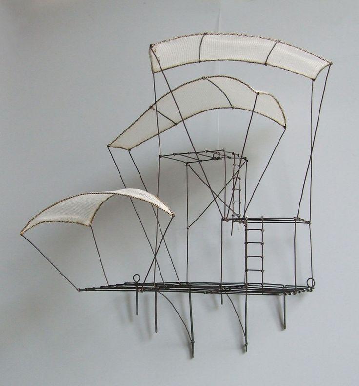 Isabelle Bonte-  l'envolée (à accrocher) Fil de fer & tarlatane H 23 X 22 X 13 cm